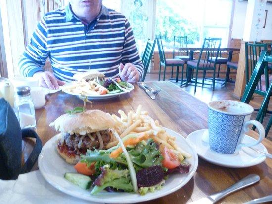 Mole Creek Cafe: Steak sandwich and burger