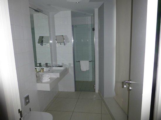 Le Grand Balcon: Bathroom