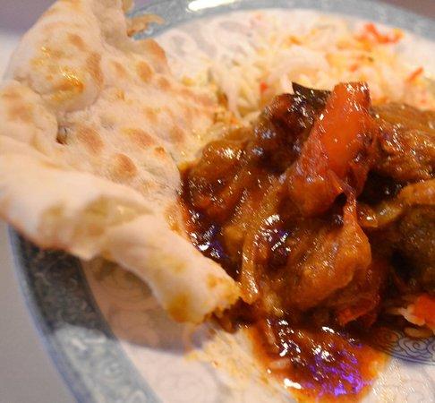 Raj Mahal : Onion stuffed bread with lamb dish