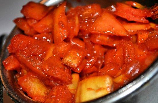 Raj Mahal : fresh tomato & onion relish