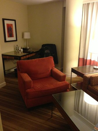 InterContinental Hotel Tampa: Siting area with desk