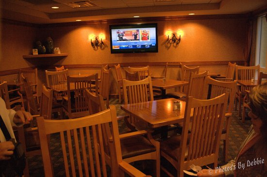 Econo Lodge Riverside: breakfast area