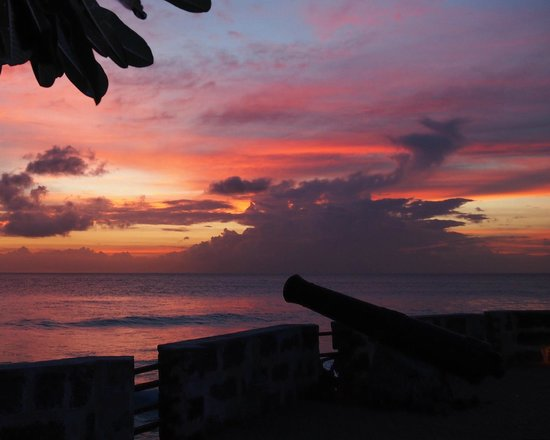Hilton Barbados Resort: sunset over the fort