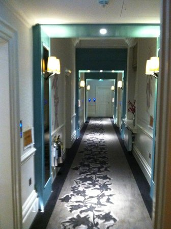 The Ampersand Hotel: Hallway