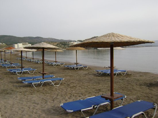 Lindos Mare Hotel: The beach
