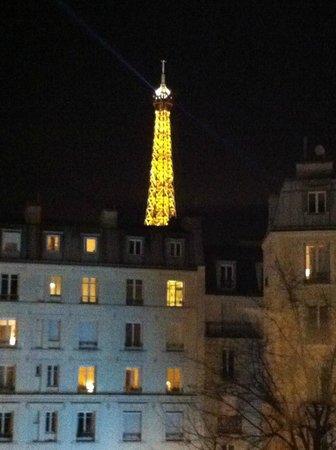 Mercure Paris Tour Eiffel Grenelle Hotel: Vista do quarto