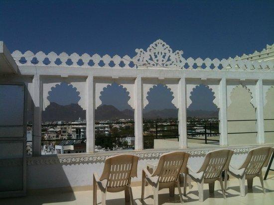 Bhanwar Vilas Guest House: Rooftop