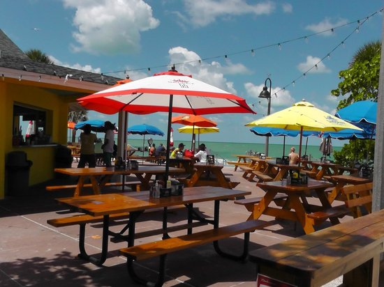 Paradise Grill at Pass-A-Grille Beach