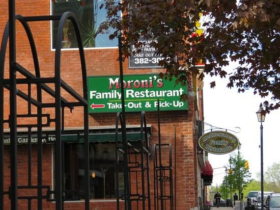 Moroni Restaurant & Tavern: Add a caption