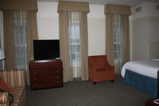 Residence Inn Savannah Downtown/Historic District: Nice big room