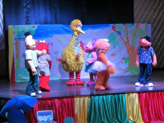Beaches Negril Resort & Spa: Sesame street night show