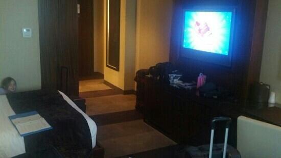 Aliante Casino + Hotel + Spa: Entry and TV.