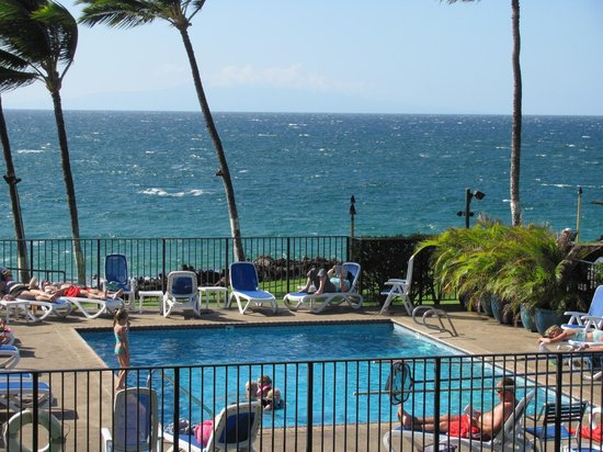 Kihei Surfside: Pool with a VIEW