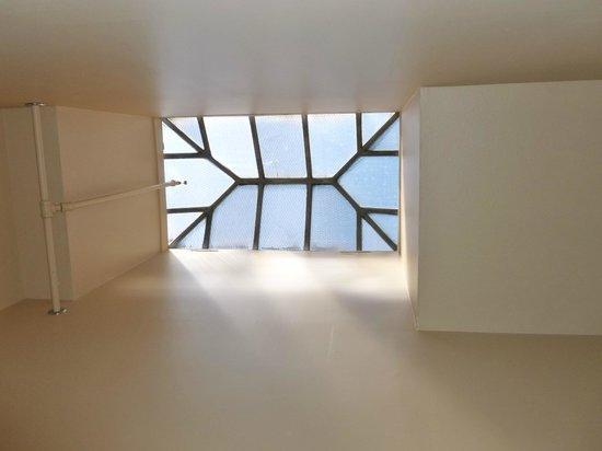 Hotel Prairie : Skylight above stairs