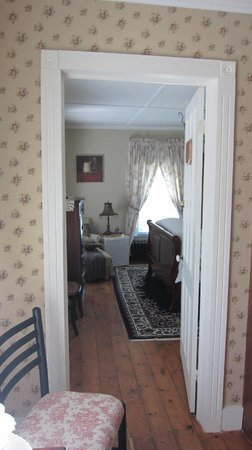 Changing Times - Boutique Country B&B: Looking into one of the rooms