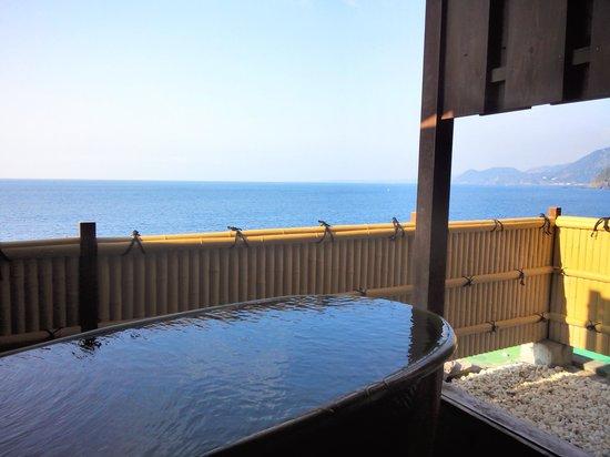 Inatori Tokai Hotel Yu-en: 客室露天風呂からの景色サイコー(*゚▽゚)ノ