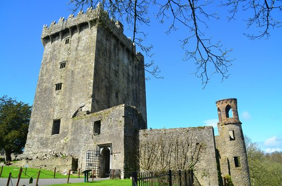 Blarney Castle & Gardens: outside after the stone