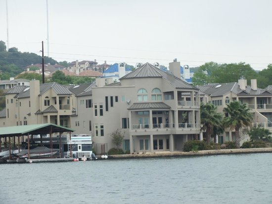 Austin Duck Adventures: One of the homes on the lakeshore.