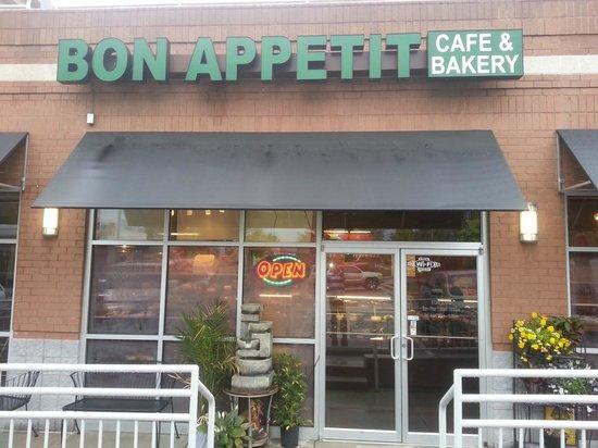 Bon Appetit Bakery: Bon Appetit cafe & Bakery