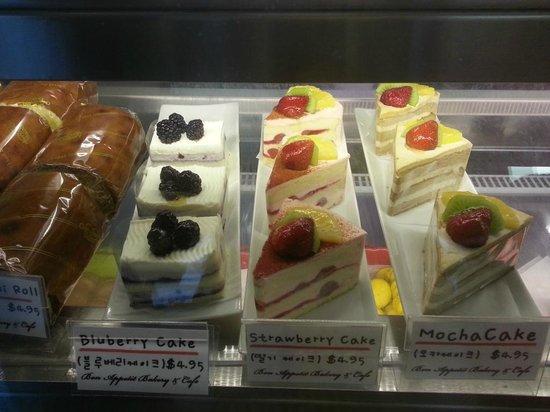 Bon Appetit Bakery: little cakes