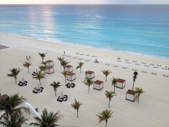 Le Blanc Spa Resort: morning on beach