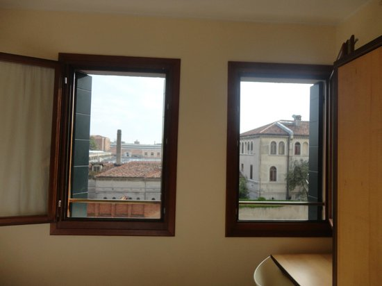 Dolomiti Hotel: Our windows with the view