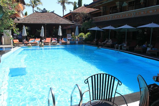 Wina Holiday Villa Hotel: piscina do Wina