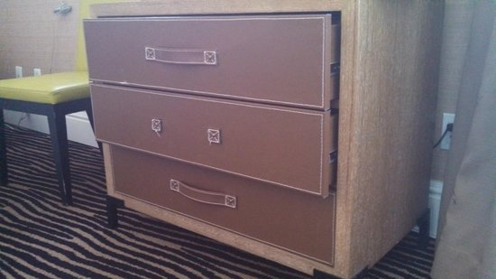 Berkeley Oceanfront Hotel: The dresser drawer, missing handle, won't close