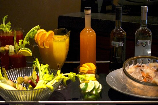 Smyth In The Iron Horse Hotel: Bloody Mary set up