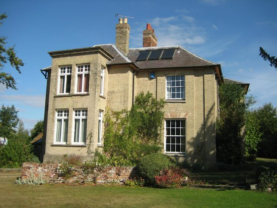 Side view of Bulmer Tye House