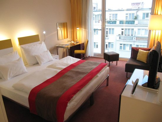 Vienna House Andel's Prague: Room 503 - Room at the front of the hotel