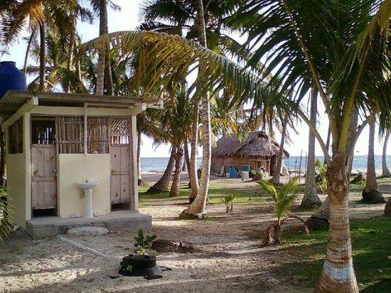 Región de Guna Yala, Panamá: Baño de la isla de nubesidub