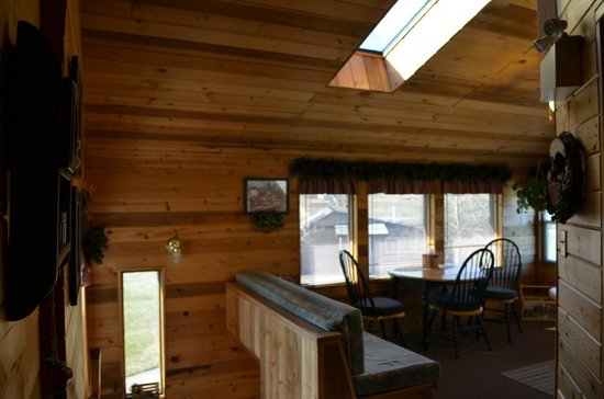 Rocky Ridge Country Lodge: dining
