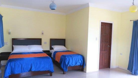 Caimito Beach Hotel : Family room sleeping area