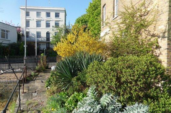 Thames House: Vue de la maison de Claire où on prend le breakfast