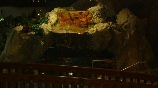 """Freizeit Arena: """"The Cave"""""""