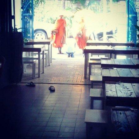 ARTillery: Morning at Cafe