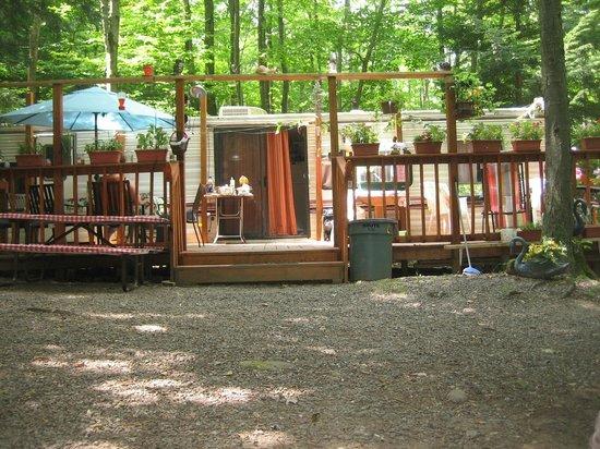Mountain Dale, État de New York : trailers