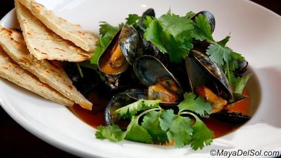 Maya Del Sol: mussels
