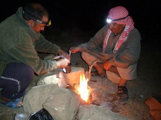Al-Nawatef Camp : Nice cup of chai during the hike