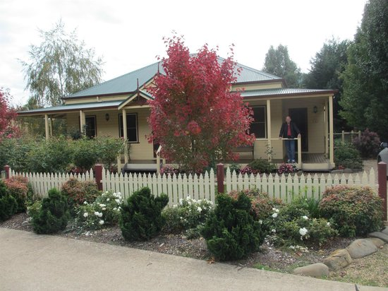 Autumn Glory Cottages: Autumn Glory Nos. 3 & 4