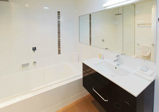 Charlestown Executive Apartments: All bedrooms have either their own bathroom or ensuite