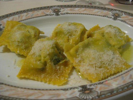 Ristorante Roma da Marcellini: Ricotta and spinach ravioli