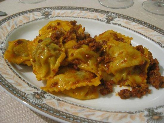 Ristorante Roma da Marcellini: Ravioli ragu