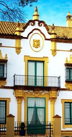 Fachada Hotel Oromana  - Alcalá de Guadaira - Sevilla