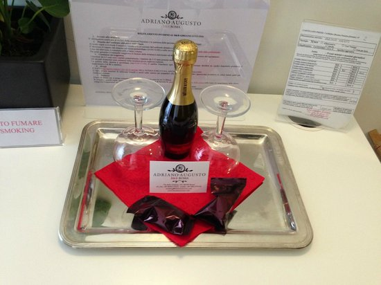Adriano Augusto: A welcoming gift....Just what a traveller needs