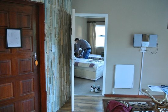 The Roundhouse Guesthouse: Room