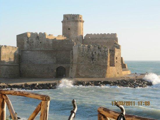Da Capo Colonna a Le Castella: Il Castello