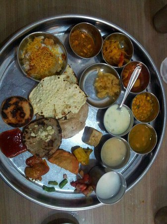 Sasumaa Gujarati Thali