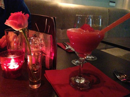 """Red Bar and Restaurant: Frozen Strawberry Daquiri - a very """"Red"""" drink"""